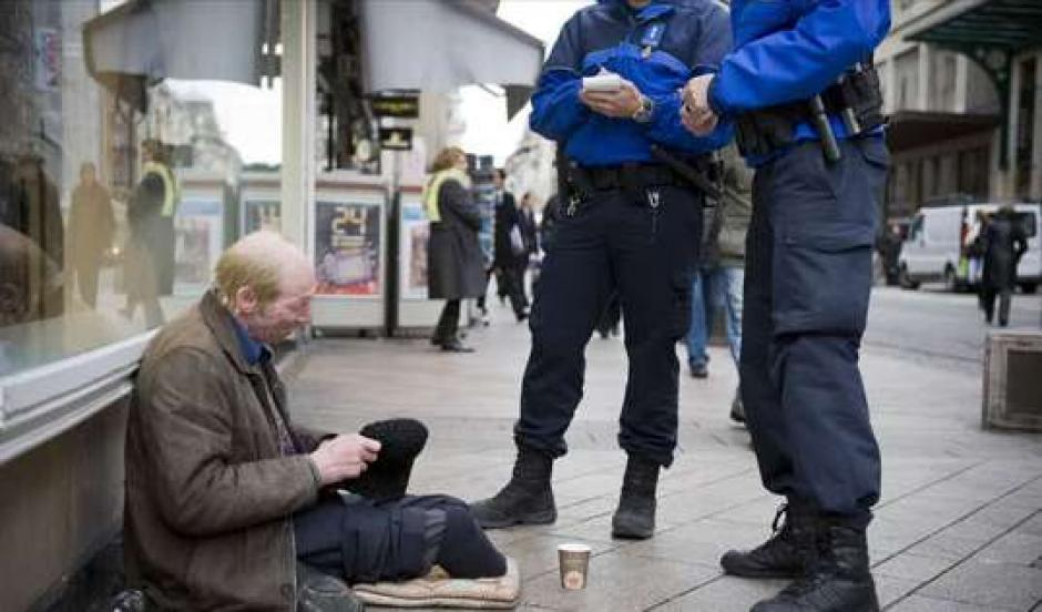 mendiant-police