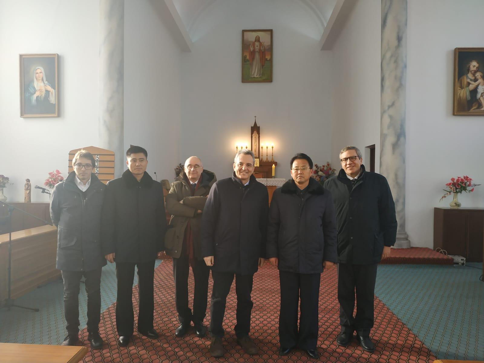 Visita alla chiesa cattolica di Pyongyang